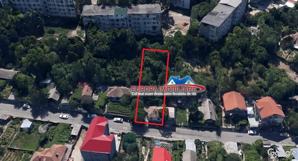 Teren cu casa demolabila zona centrala