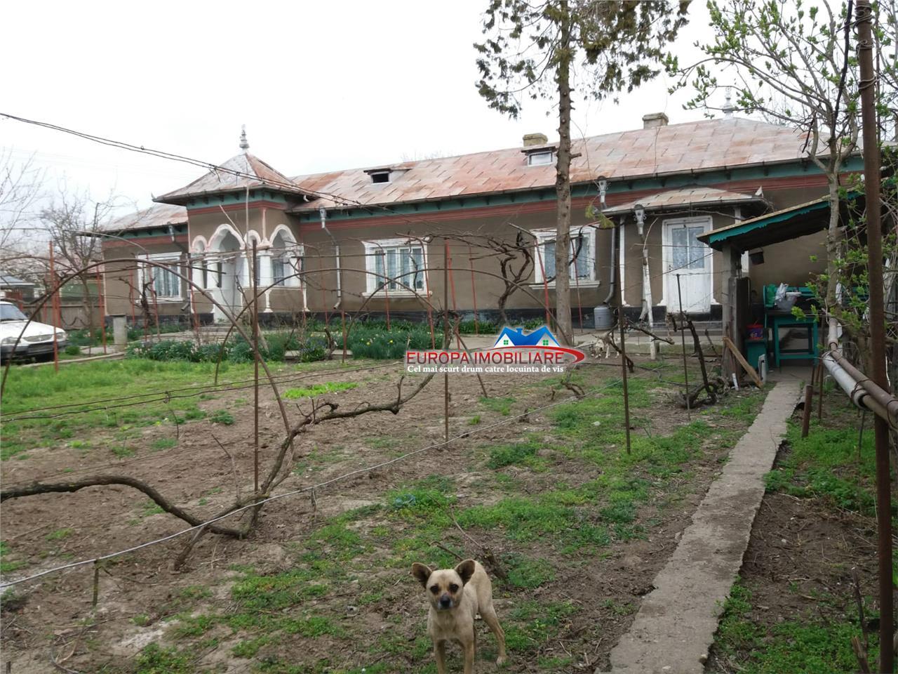 Casa Sat. Iazurile, com. Valea Nucarilor
