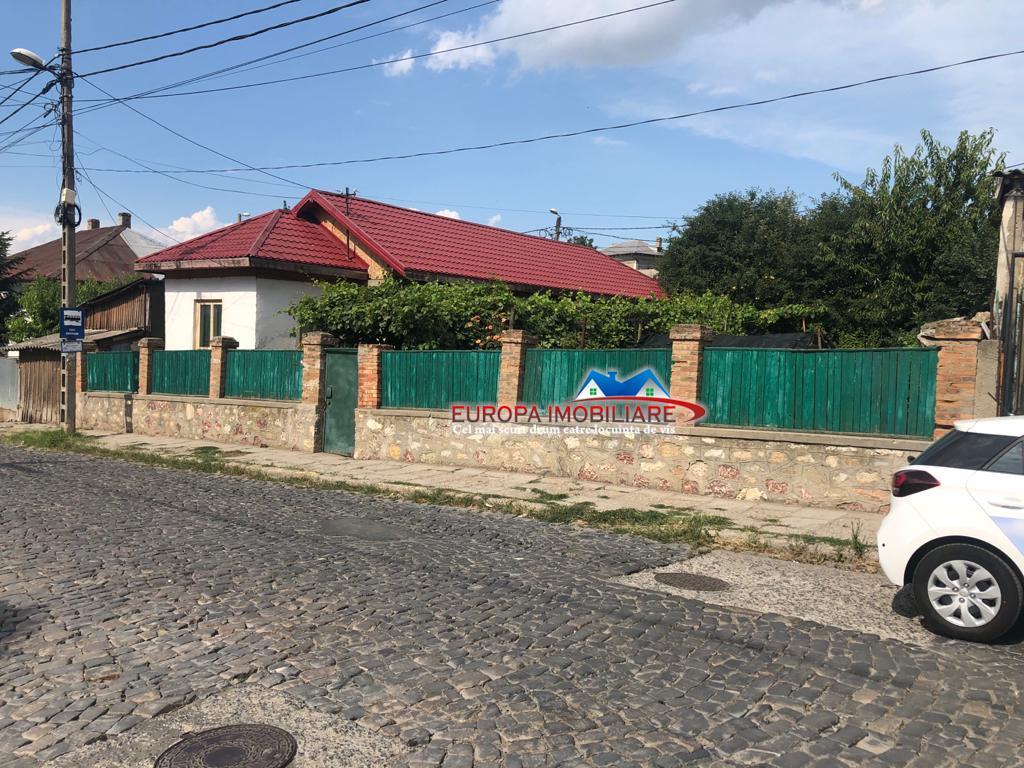 Casa si teren zona centrala