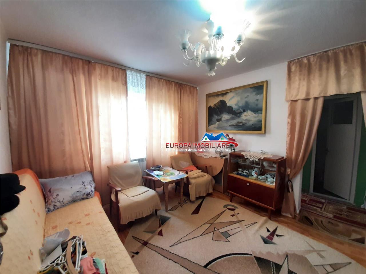 Apartament 4 camere de vanzare zona Big Tulcea