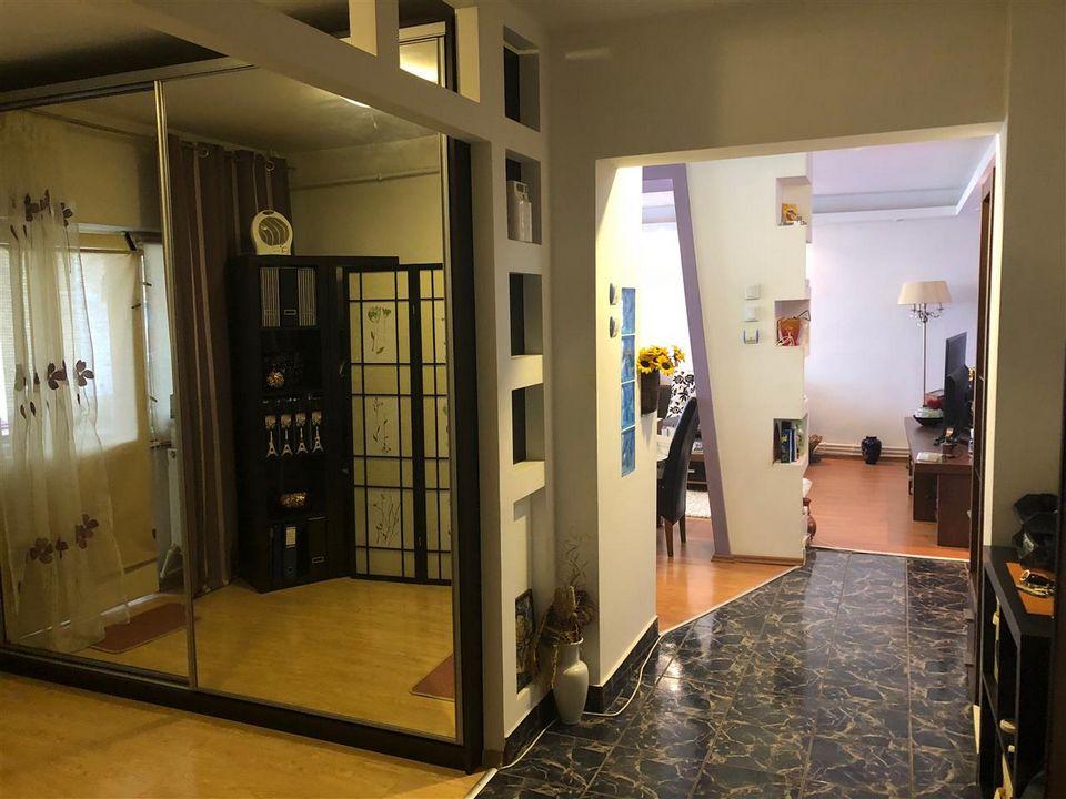 Apartament 3 camere,  Zona Ultracentrala