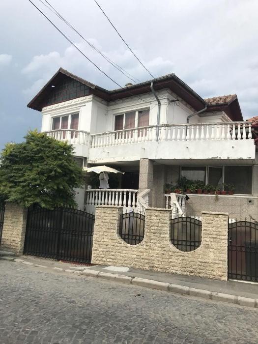 Vila de vanzare D+P+E zona Centru, Tulcea