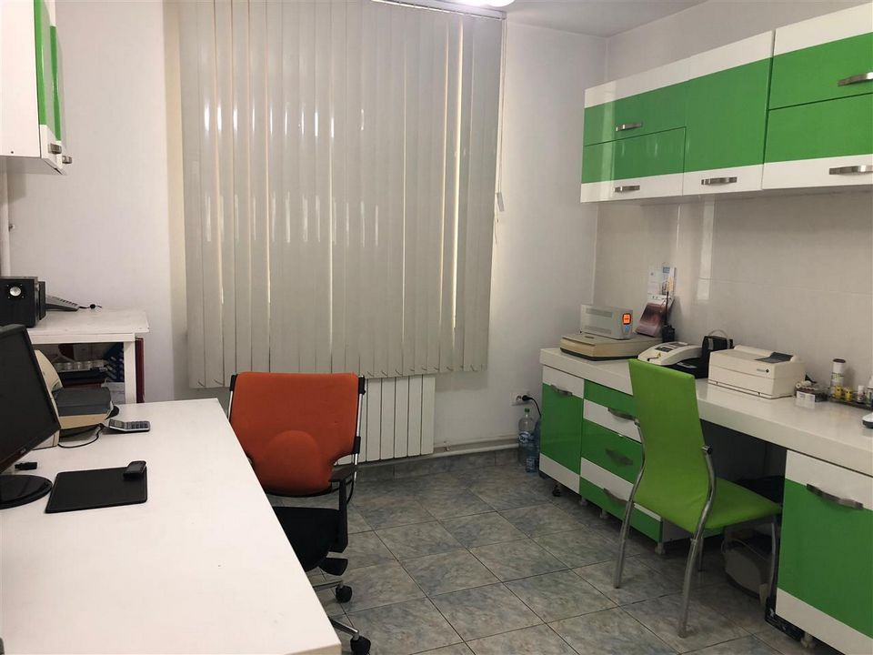 Cabinet Veterinar mobilat si utilat cu aparatura performanta