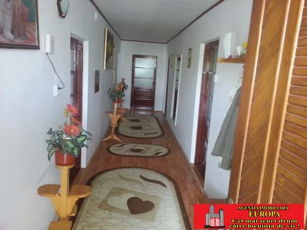 Casa 4 camere amplasata in zona Centrala  localitatea Cataloi judet Tulcea