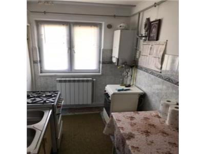 Apartament 3 camere zona Piata Noua