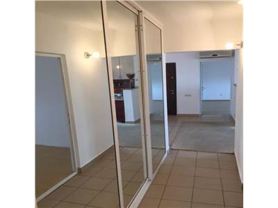 Apartament de vanzare 3 camere zona Neptun