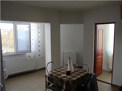 Apartament de vanzare 4 camere zona Spitalului Judetean