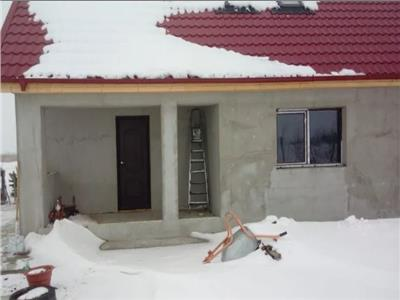 Casa la rosu Mineri