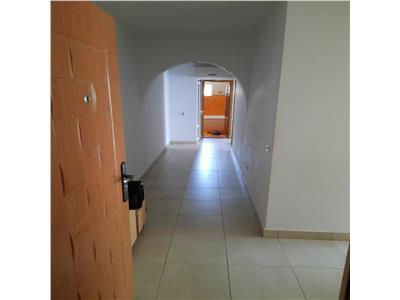 Apartament de vanzare 3 camere Zona C5