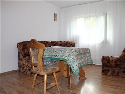 Apartament de vanzare 2 camere zona Pelican