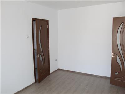 Apartament 3 camere de vanzare zona Marinaru Tulcea