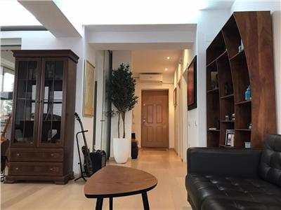 Apartament tip penthouse de inchiriat