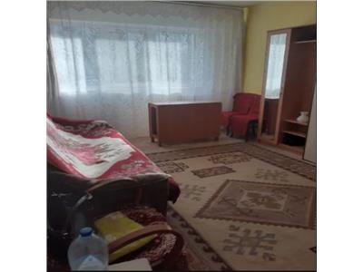 Apartament 2 camere zona vest Tulcea cu boxa si garaj