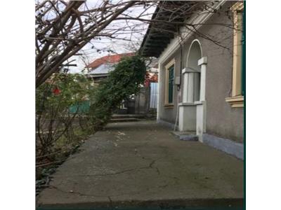 Casa de vanzare cu 800 mp teren zona zona Mahmudiei Tulcea