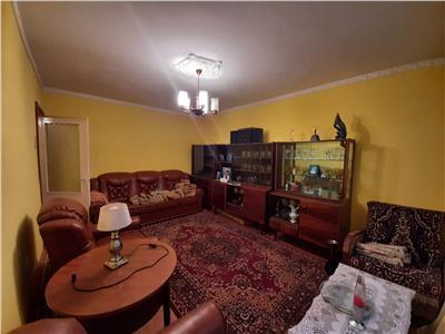 Apartament de vanzare 3 camere zona Vest