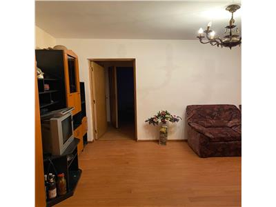 Apartament 3 camere de vanzare zona 23 August