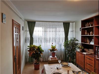 Apartament de vanzare 2 camere+ mansarda zona Spitalului Judetean Tulcea