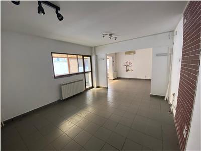 Apartament 3 camere cu spatiu comercial zona Centrala Tulcea
