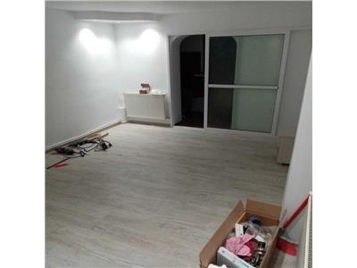 Apartament  de vanzare 4 camere zona C5 Tulcea