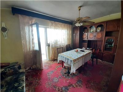 Apartament 3 camere de vanzare zona Pelican